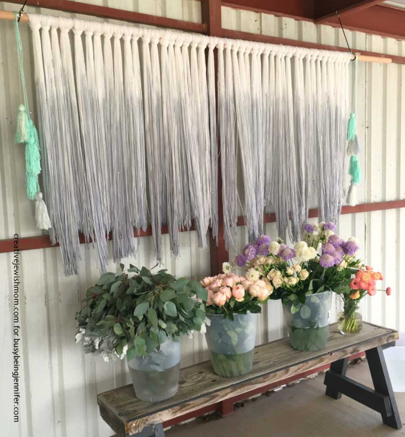 DIY-dip-dyed-yarn-wall-hanging