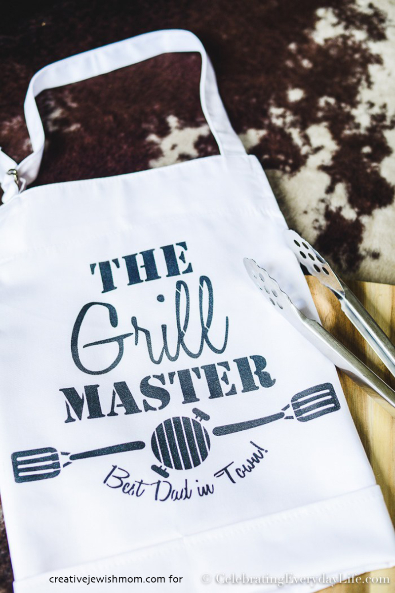 DIY Grill-Master-Fathers-Day-Apron-Gift