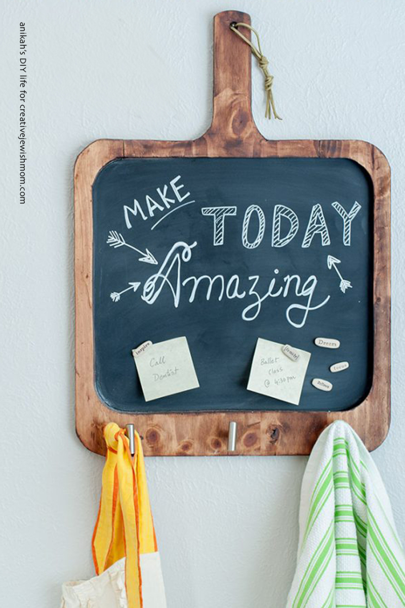 Easy-DIY-Magnetic-cutting-board-chalkboard