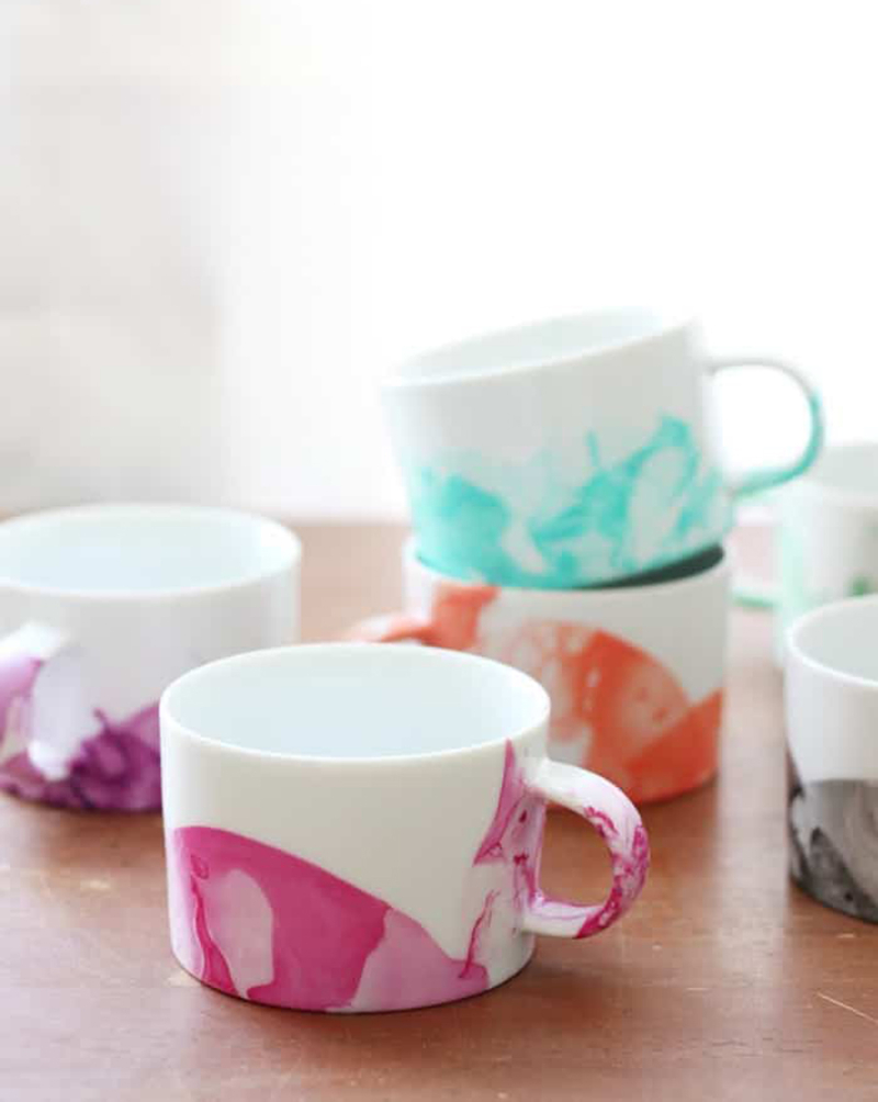 Finger-nail-polish-dipped-mugs