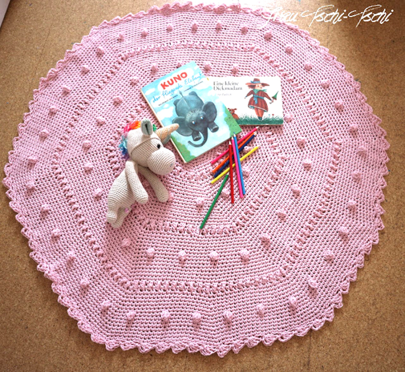 Crocheted bobble hexigon baby rug