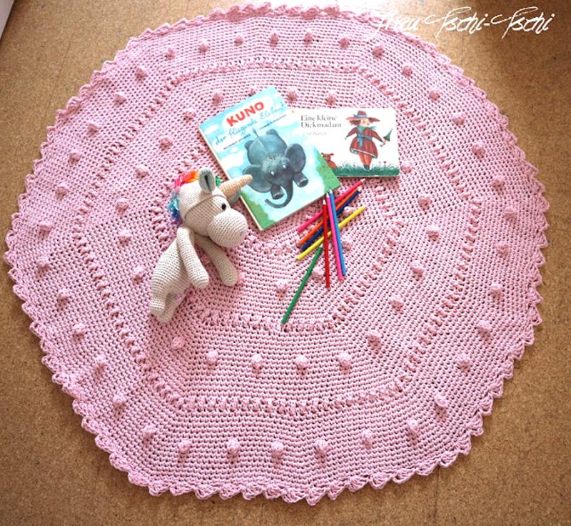 Crocheted bobble hexigon baby rug