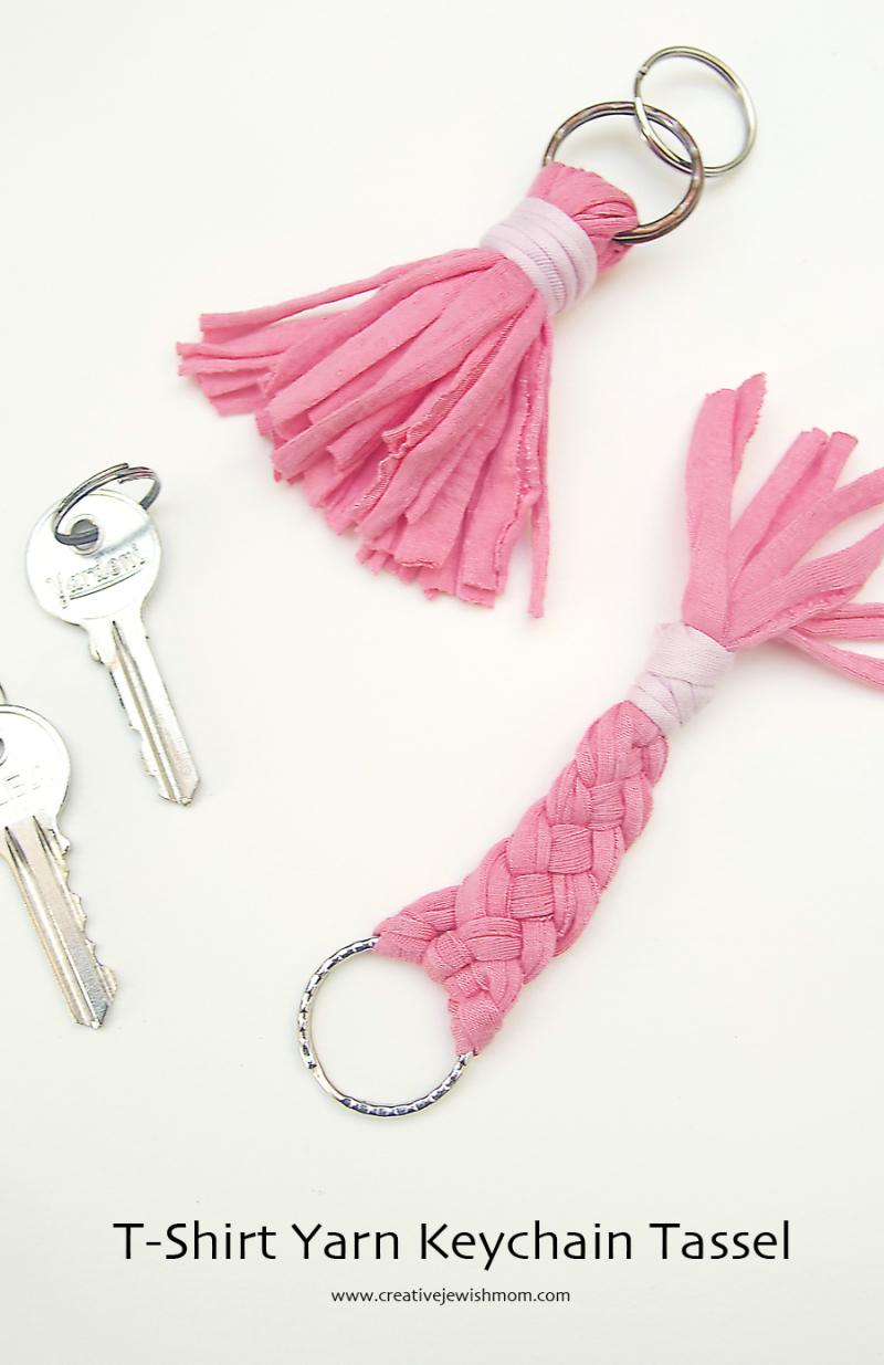 T-Shirt-Yarn-Tassel-Keychain