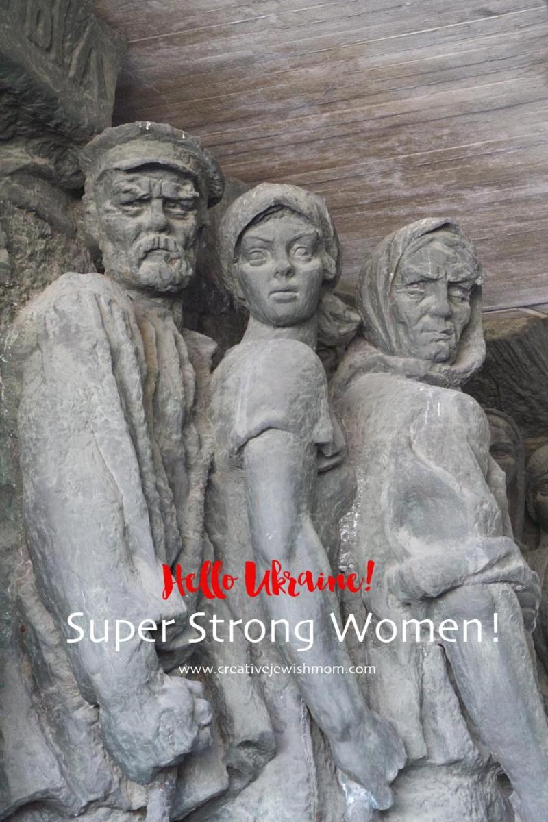 Socialistic War Sculptures with strong women