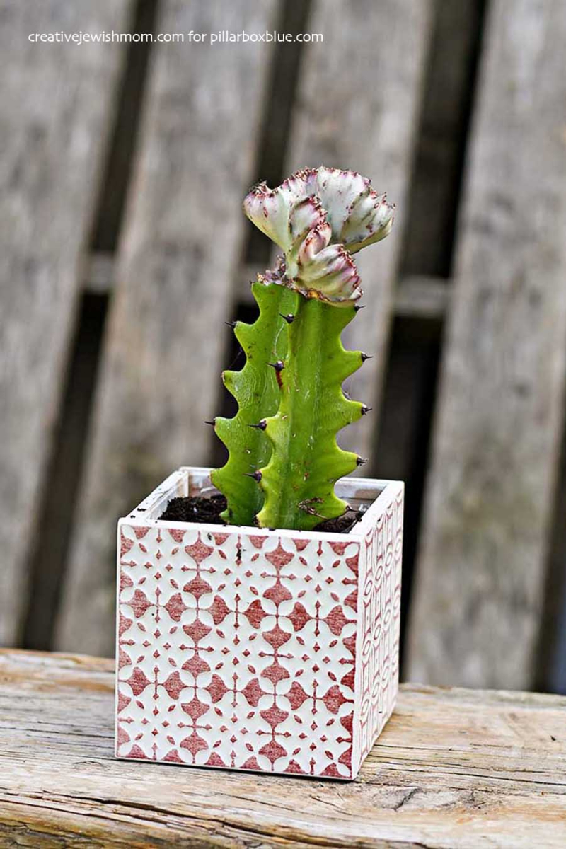DIY-planter-from-ethnic-tiles