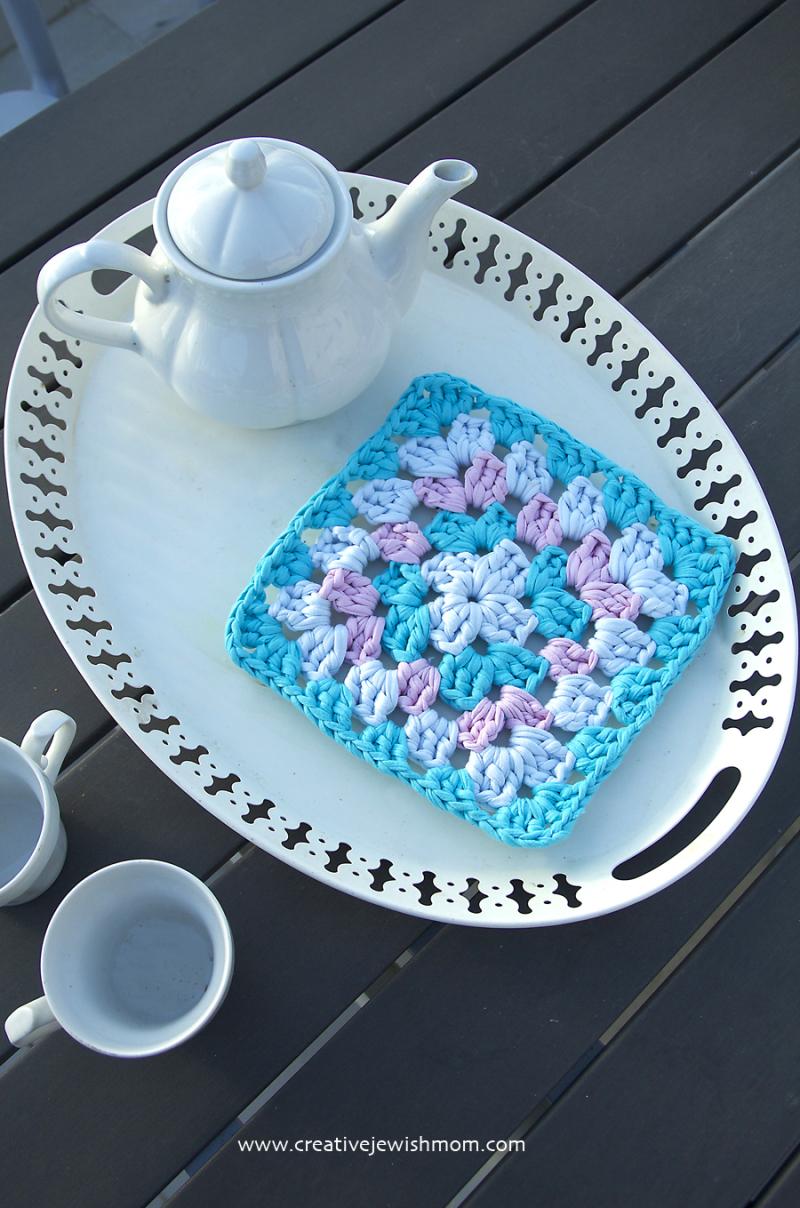 T-shirt yarn granny square trivet