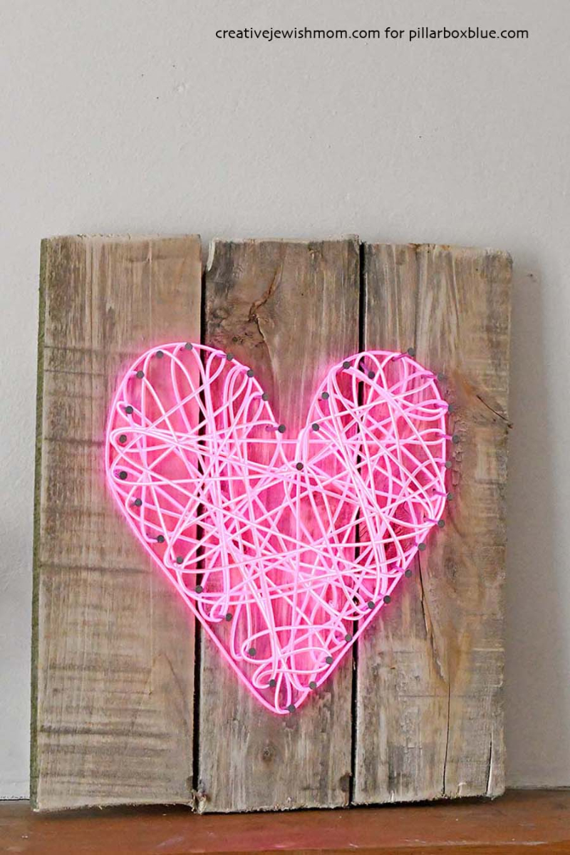 DIY-neon-string-heart-withnails-wood