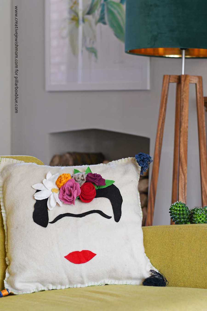 DIY-frida-Kahlo-cushion-with-felt-flowers