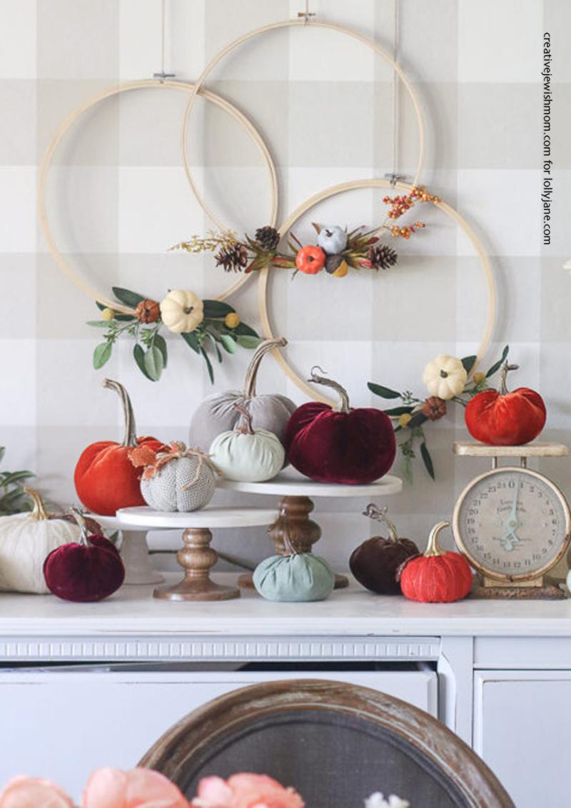 Diy-embroidery-hoop-fall-wreath-pumpkin-667x675