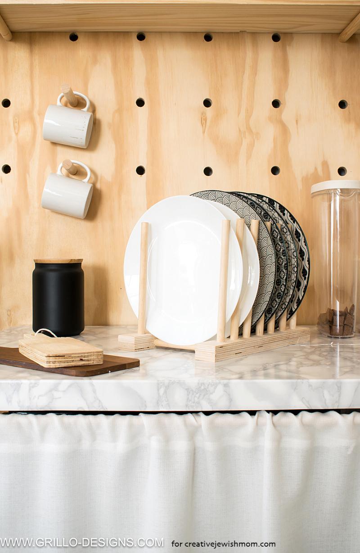 Kitchen-diys-using-wooden-dowel-rods