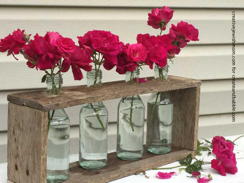 DIY-recycled-bottles-vase-centerpiece