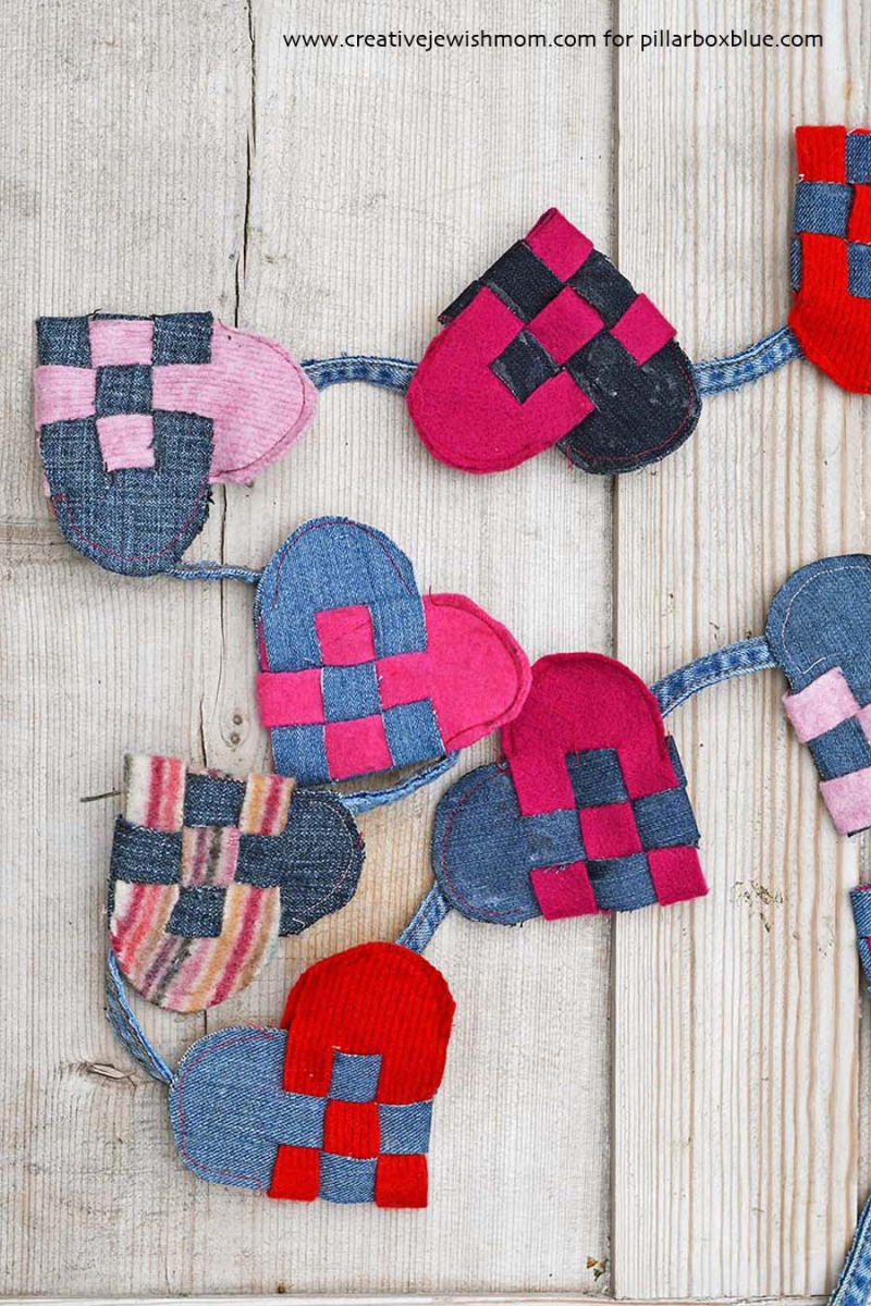 Scandinavian-woven-hearts-garland-with-jeans