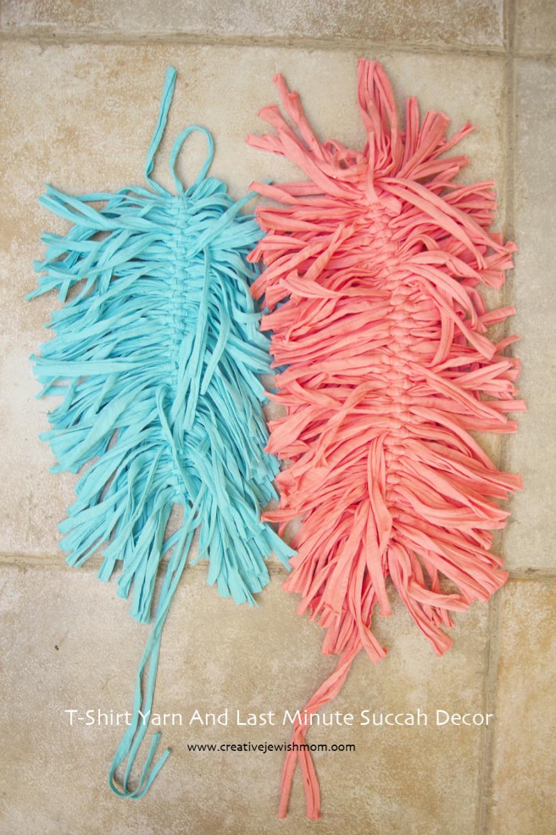 T-Shirt Yarn Feathers In progress