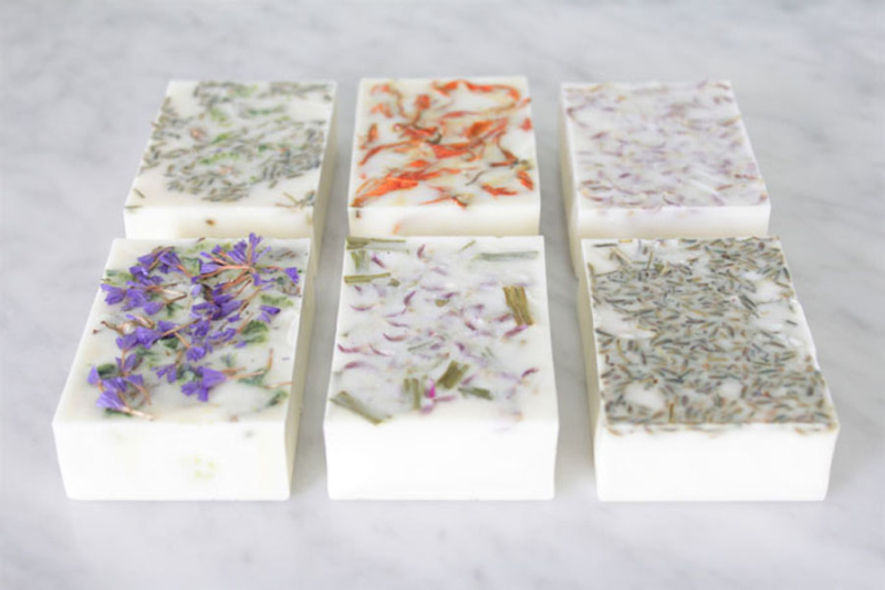 DIY-simple-soap-bars-for-beginners