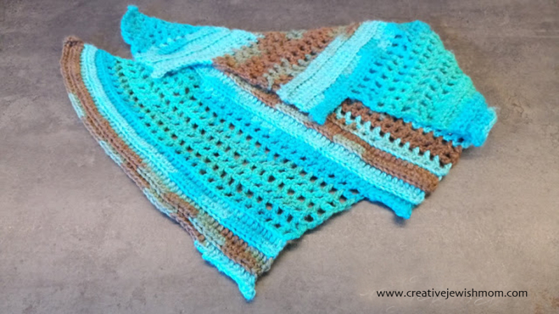 Simple baktus cowl crocheted