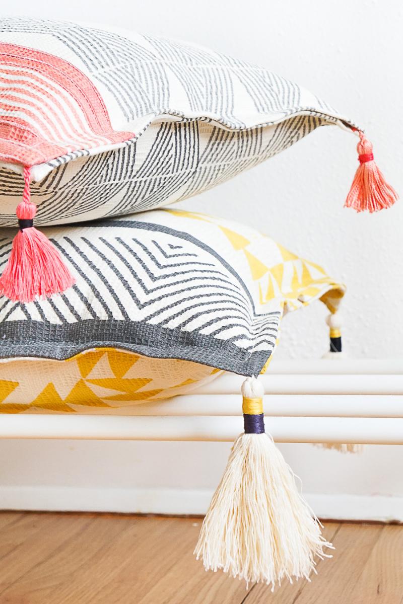 DIY-Tassel-Throw-Pillow-Erin-17
