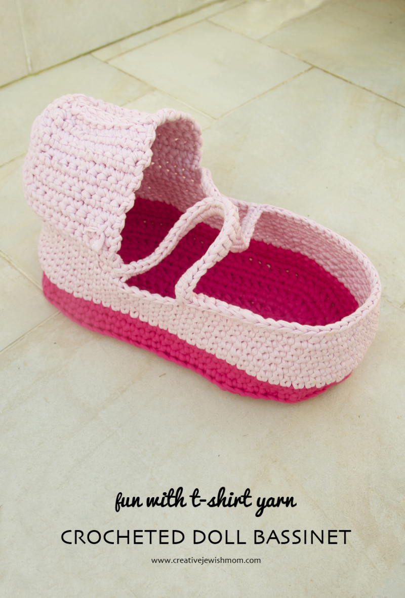 Crochet-doll-moses-basket