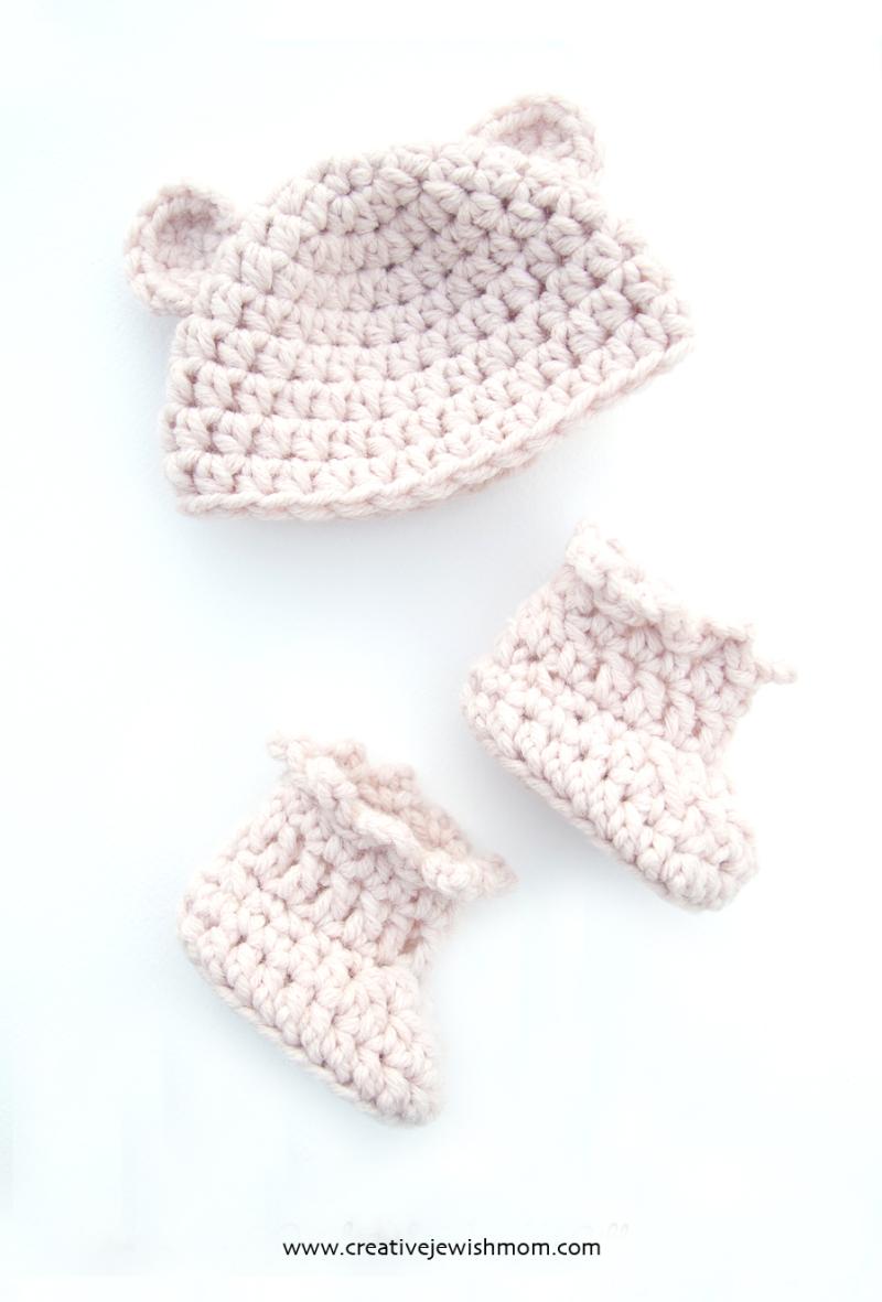 Crocheted-Hat-Booties-Newborn-Set
