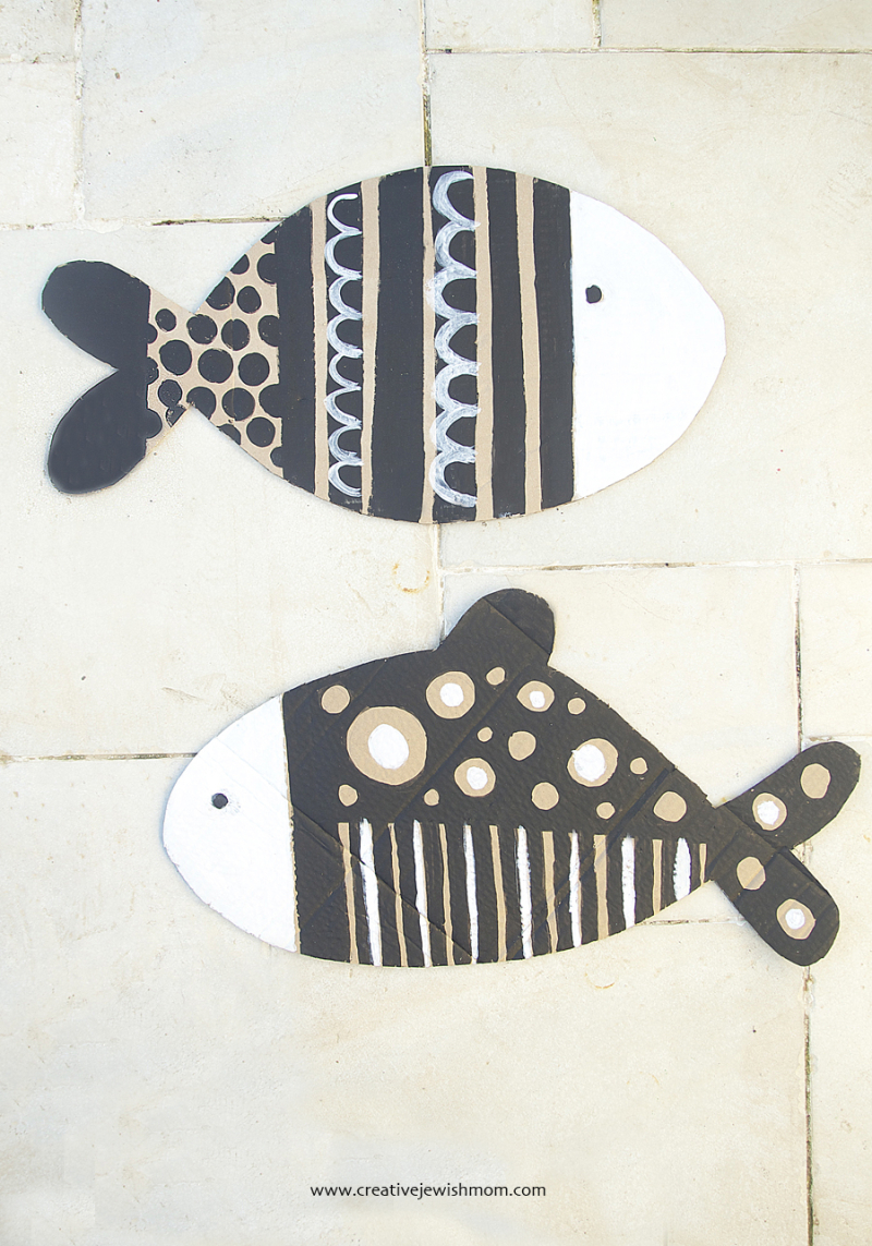 Cardboard-fish-with-black-and-white-paint