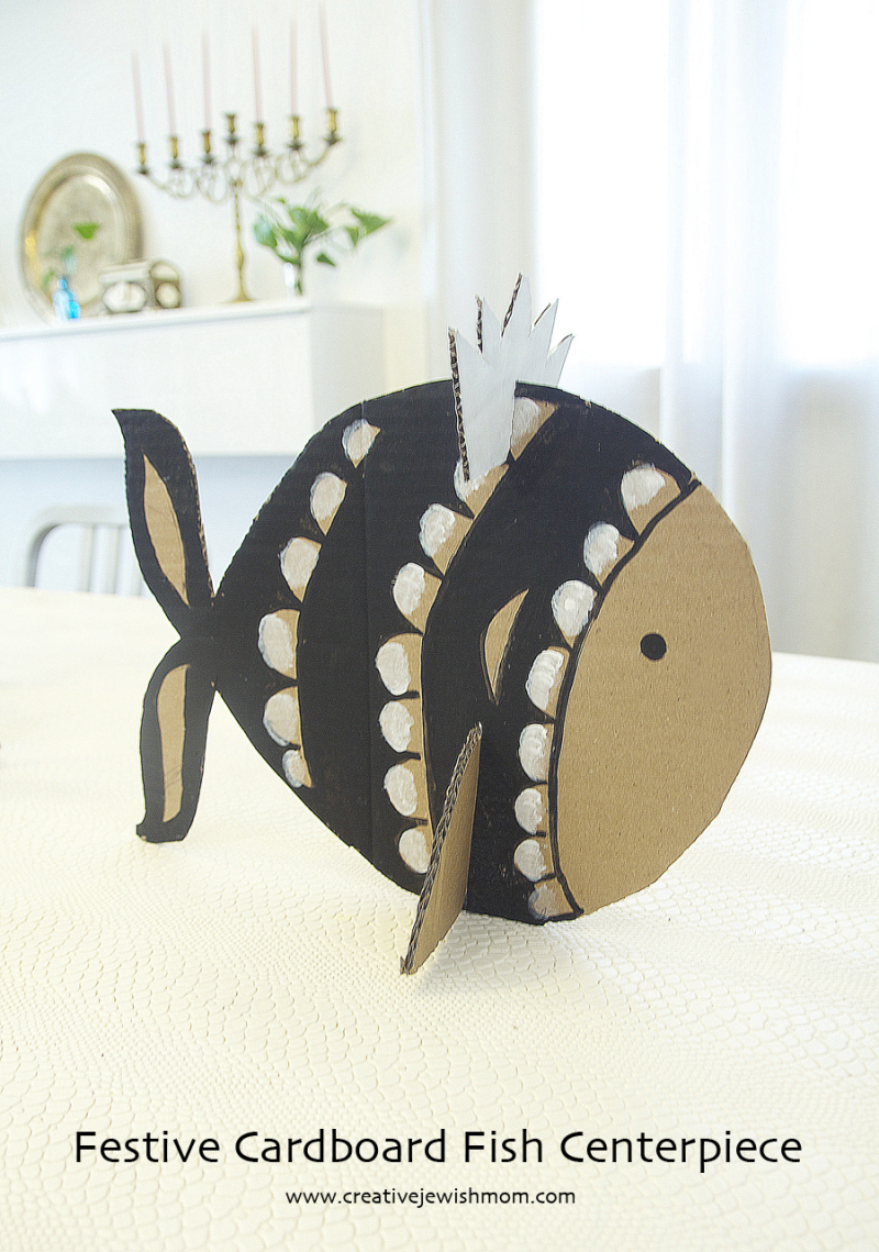Purim Centerpiece Carboard Fish