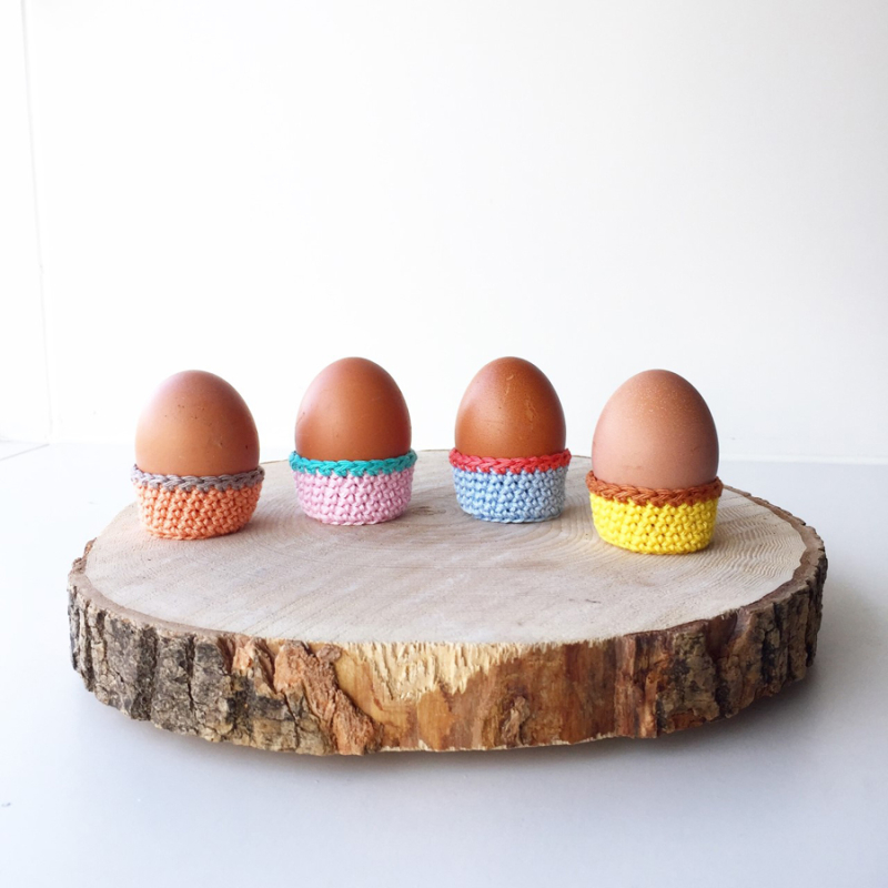 Crocheted-egg-cup