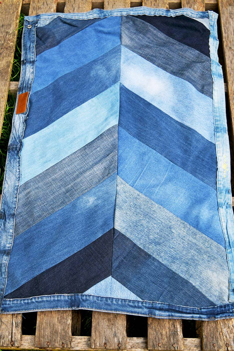 UPCYCLED-denim-chevron-rug
