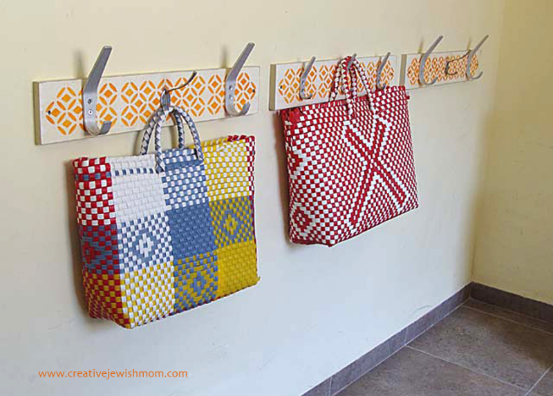 DIY-stencilled-coat-rack-for-kids