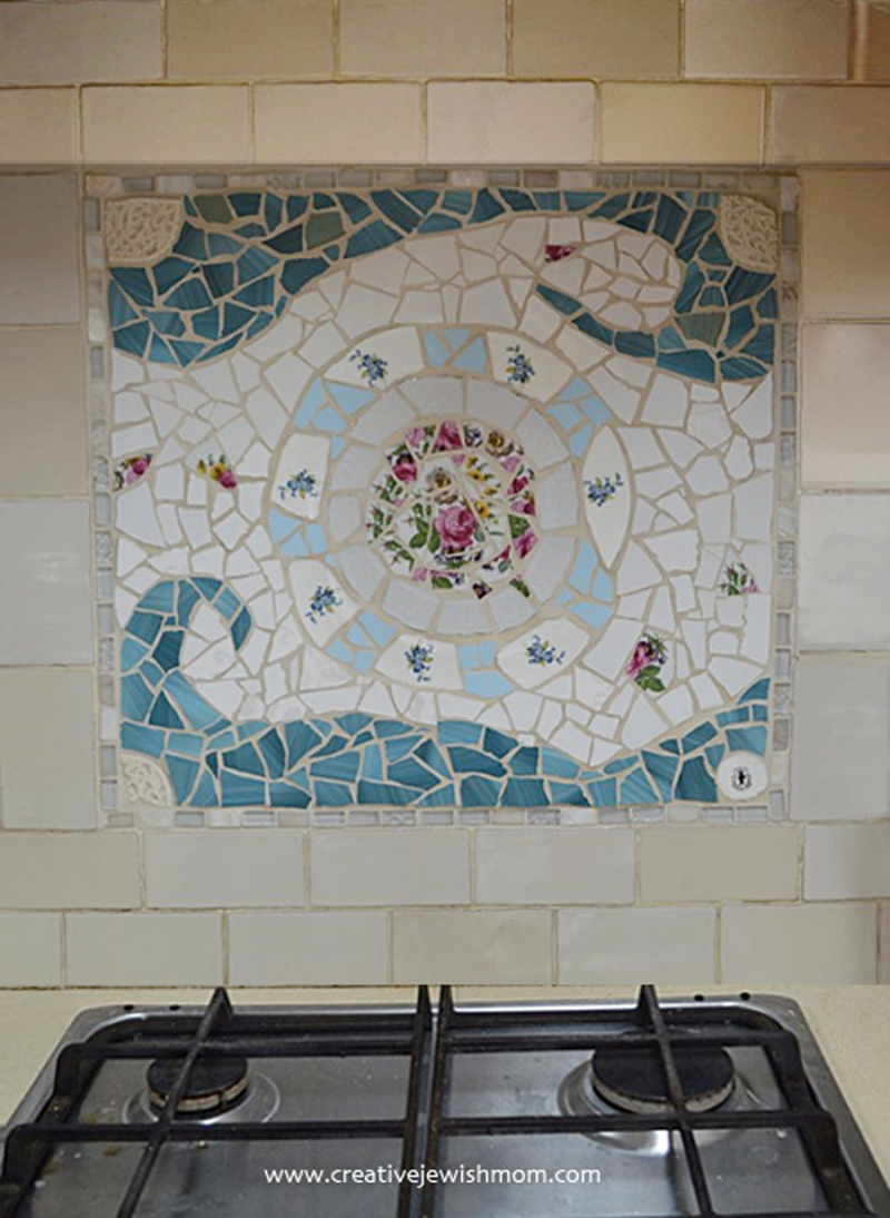 Broken-dishes-backsplash-mosaic
