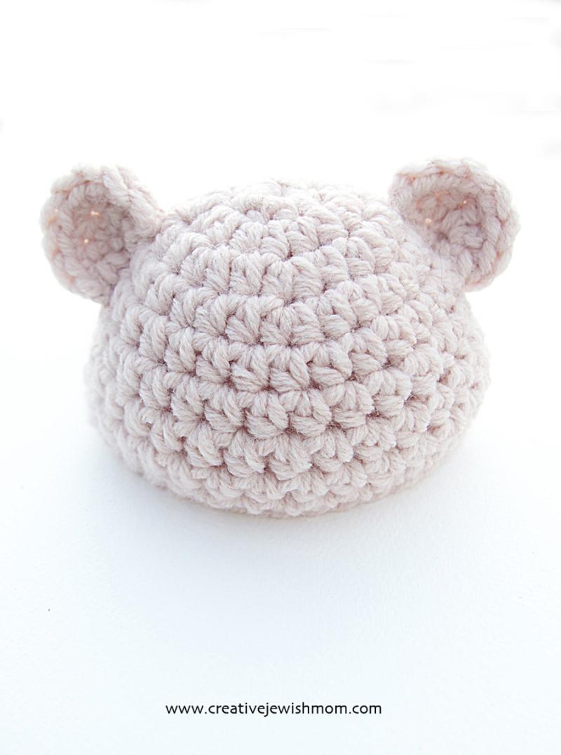 Crocheted-newborn-ears-hat