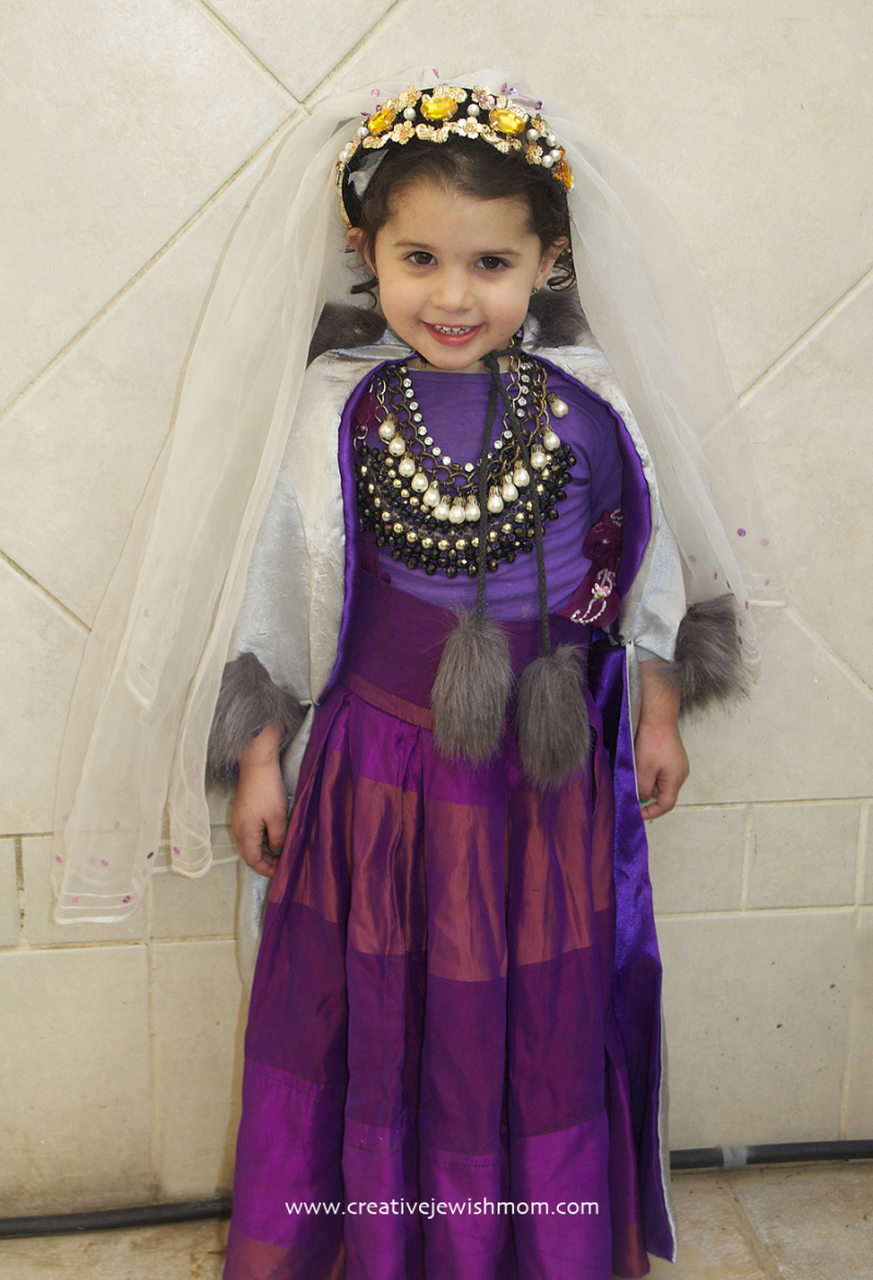 DIY-toddler-queen-princess-costume