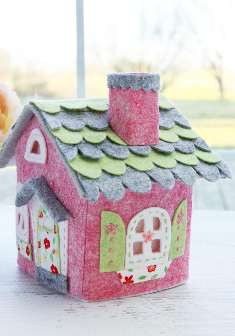 Tiny-Felt-Embroidered-House
