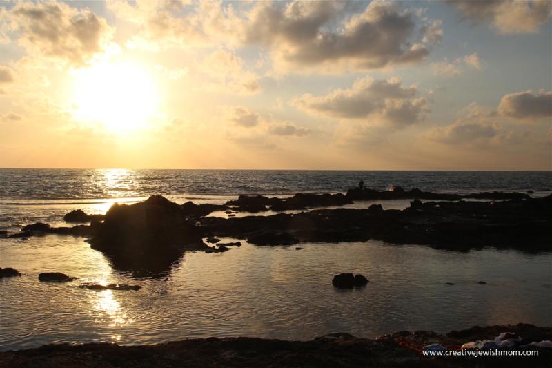 Israel-road-trip-sunset-over-achziv