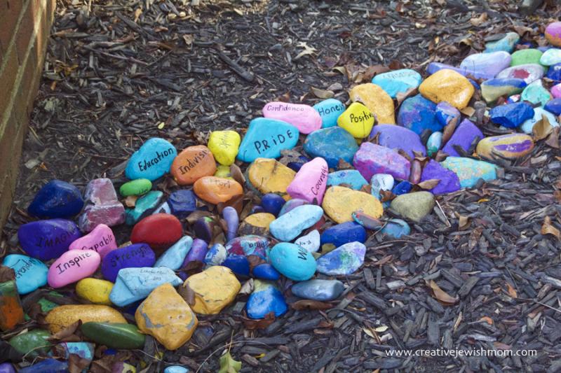 Rosh-HaShana-Painted-Rock-Craft
