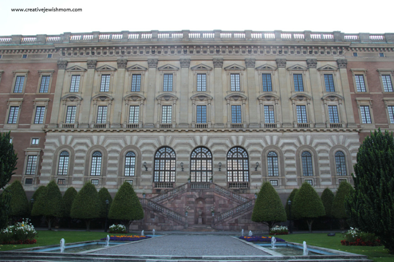 Royal-palace-stockholm-front