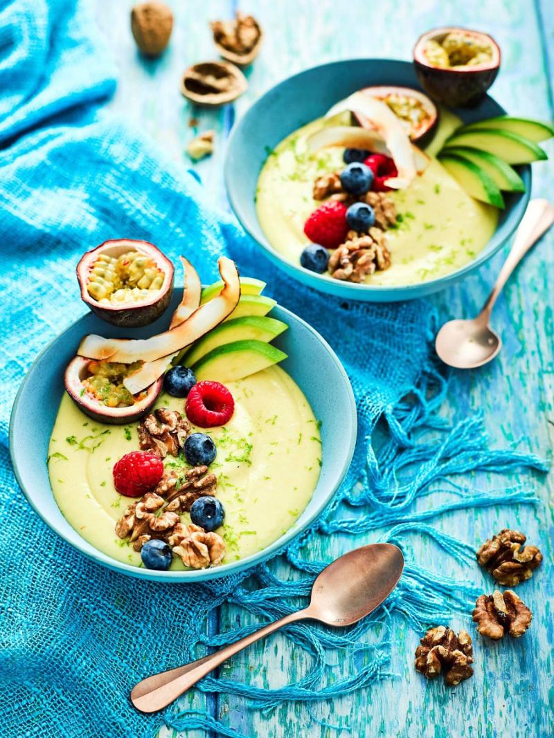 Tropical-mango-banana-smoothie-bowl