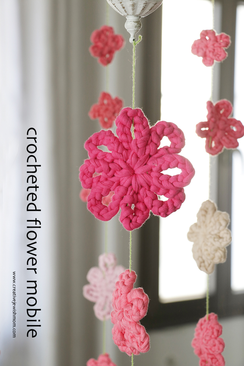 Crocheted-flower-mobile