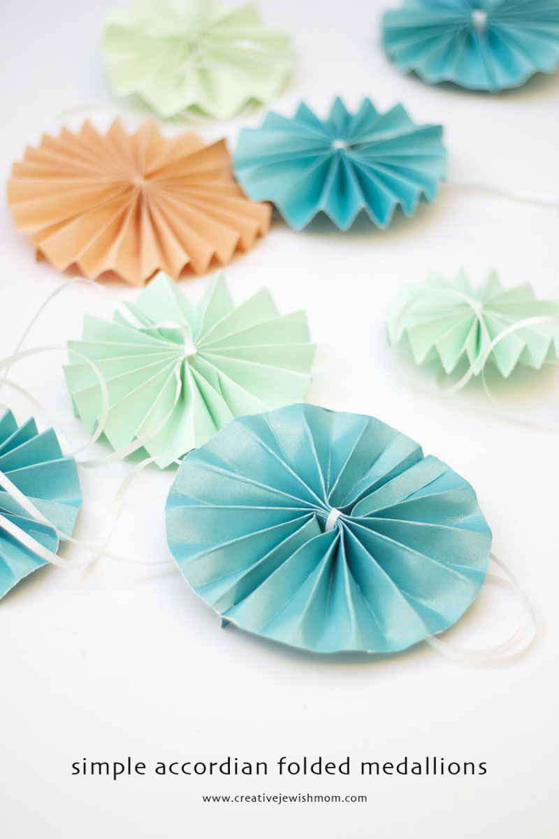 Paper-accordian-fold-medallions