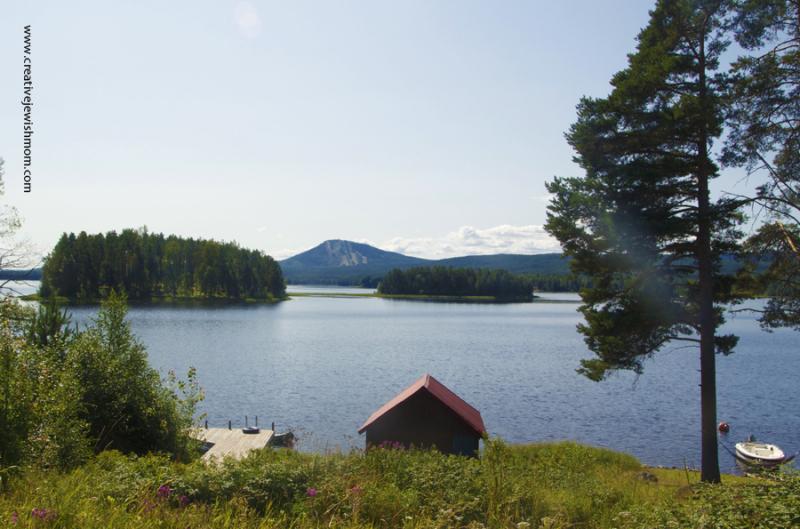 Sweden-Lake-Siljan-Mora-Mountain-View