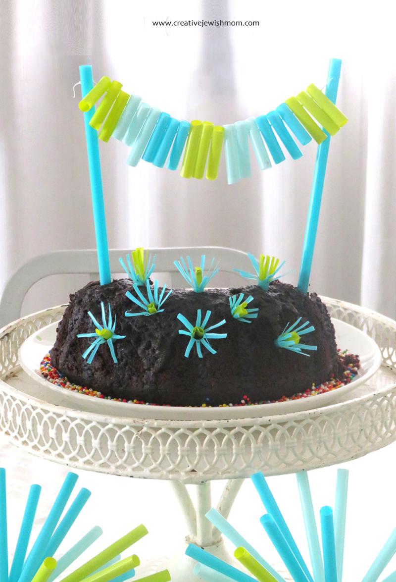 Cake-Banner-Using-Straws