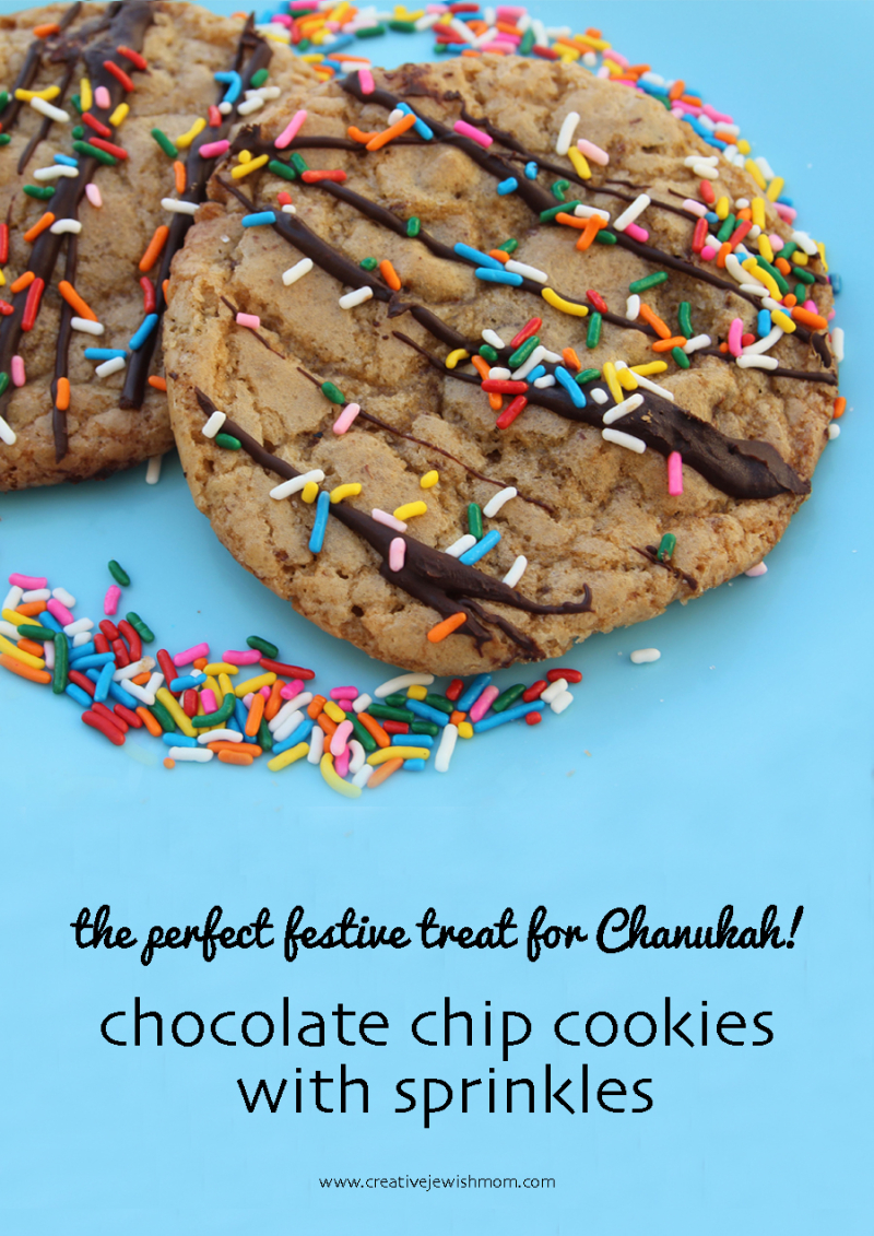 Chocolate-chip-cookies-with-sprinkles