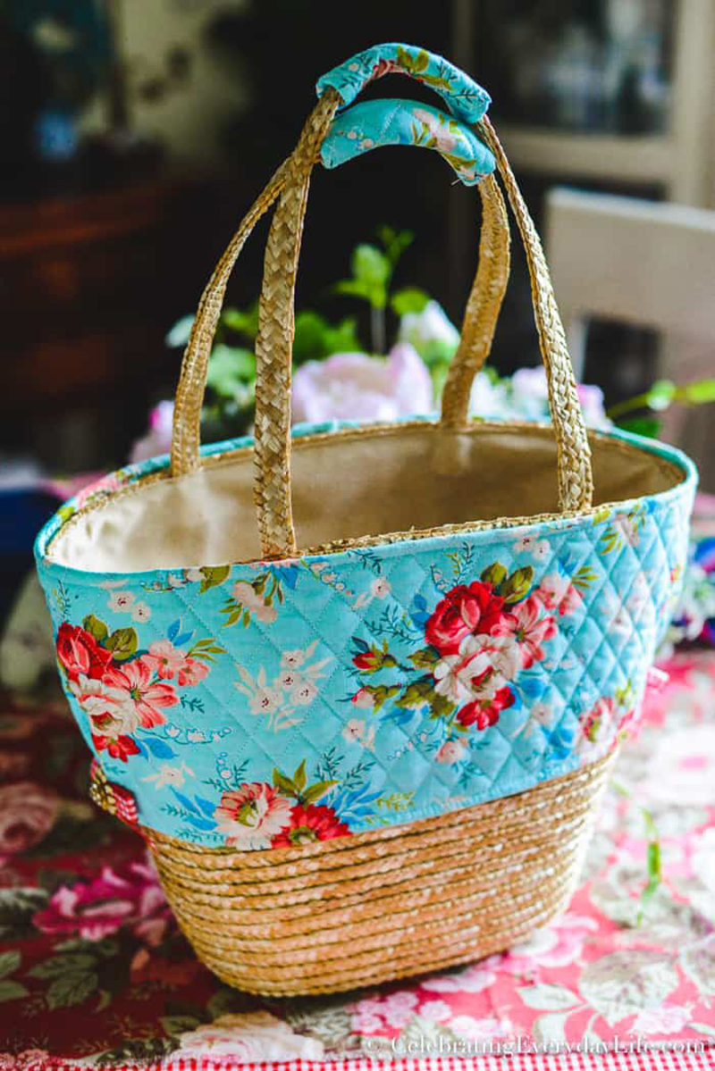 DIY-summer-basket-tote-with-floral-fabric