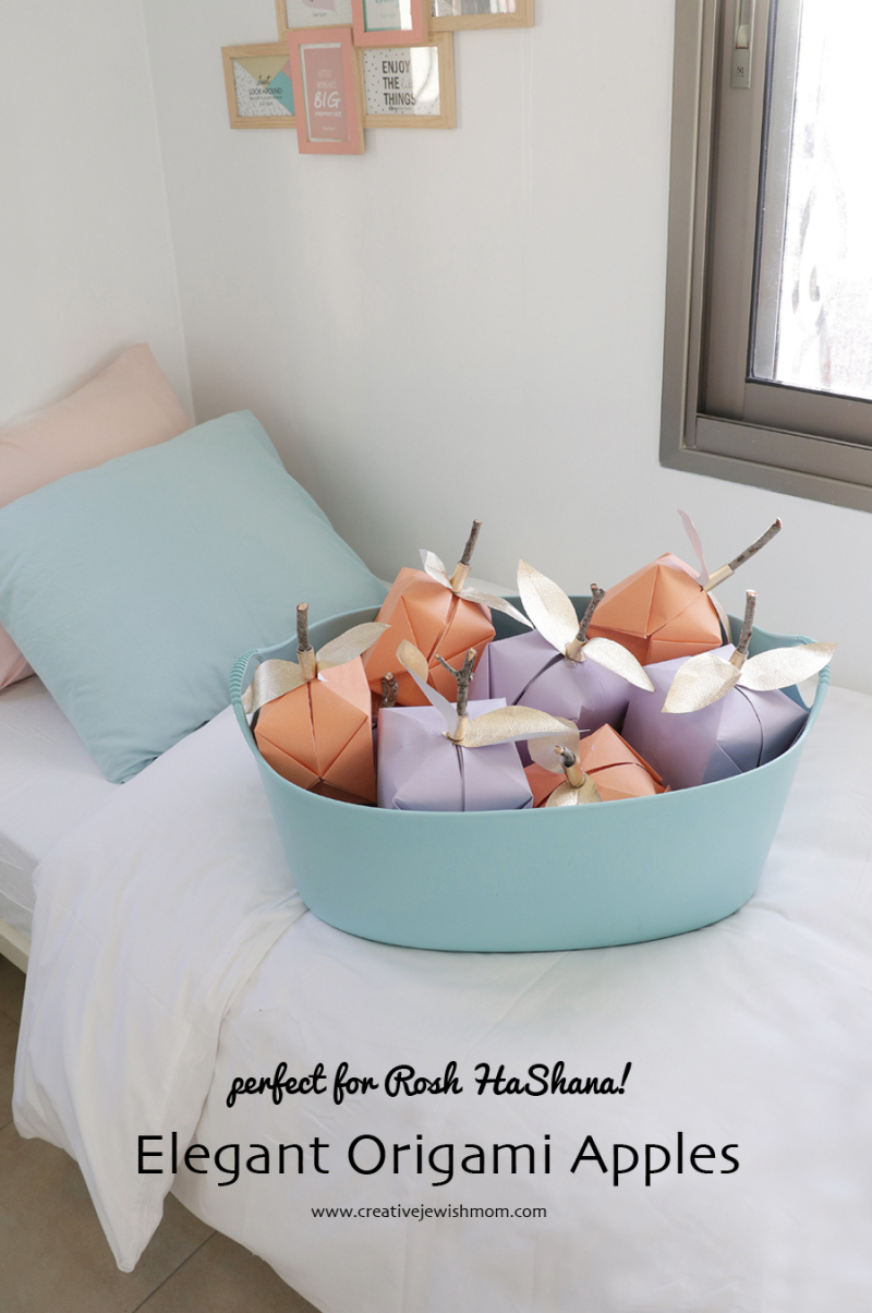 Origami-paper-apples-for-fall-party2