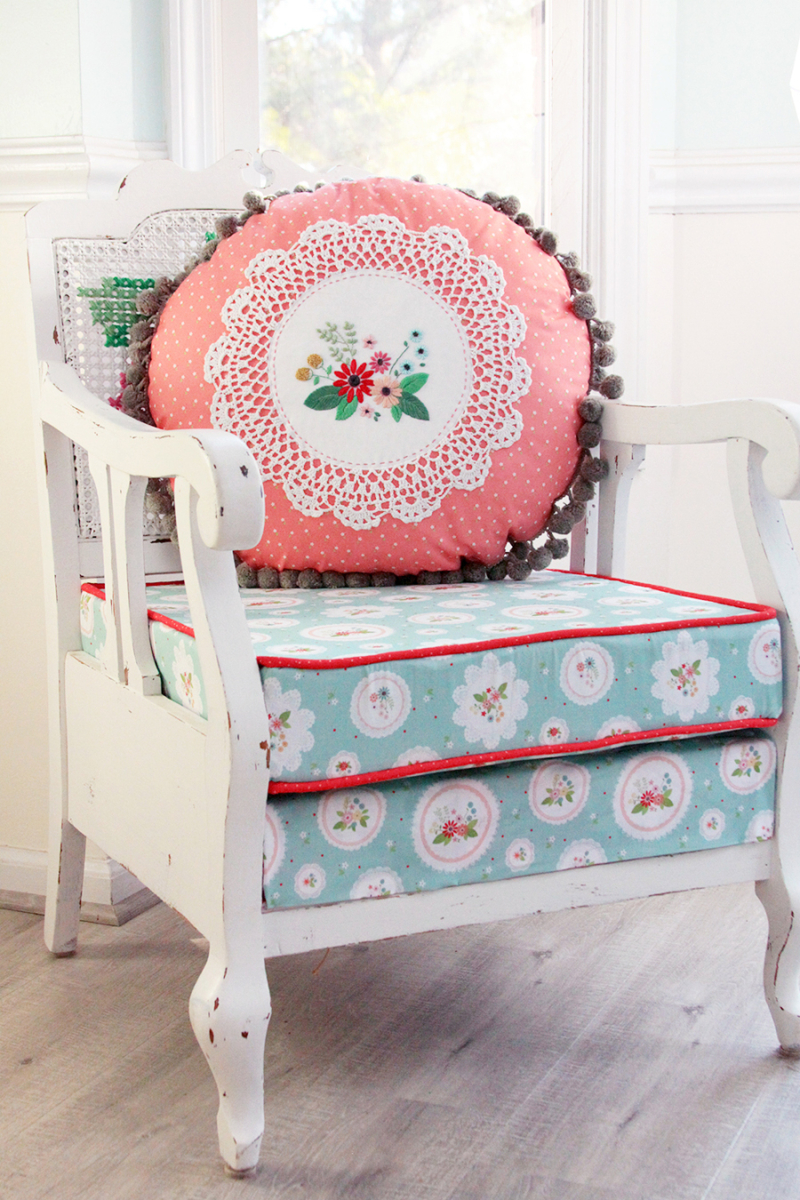 Embroidered-Doily-Pillow-Vintage-Look