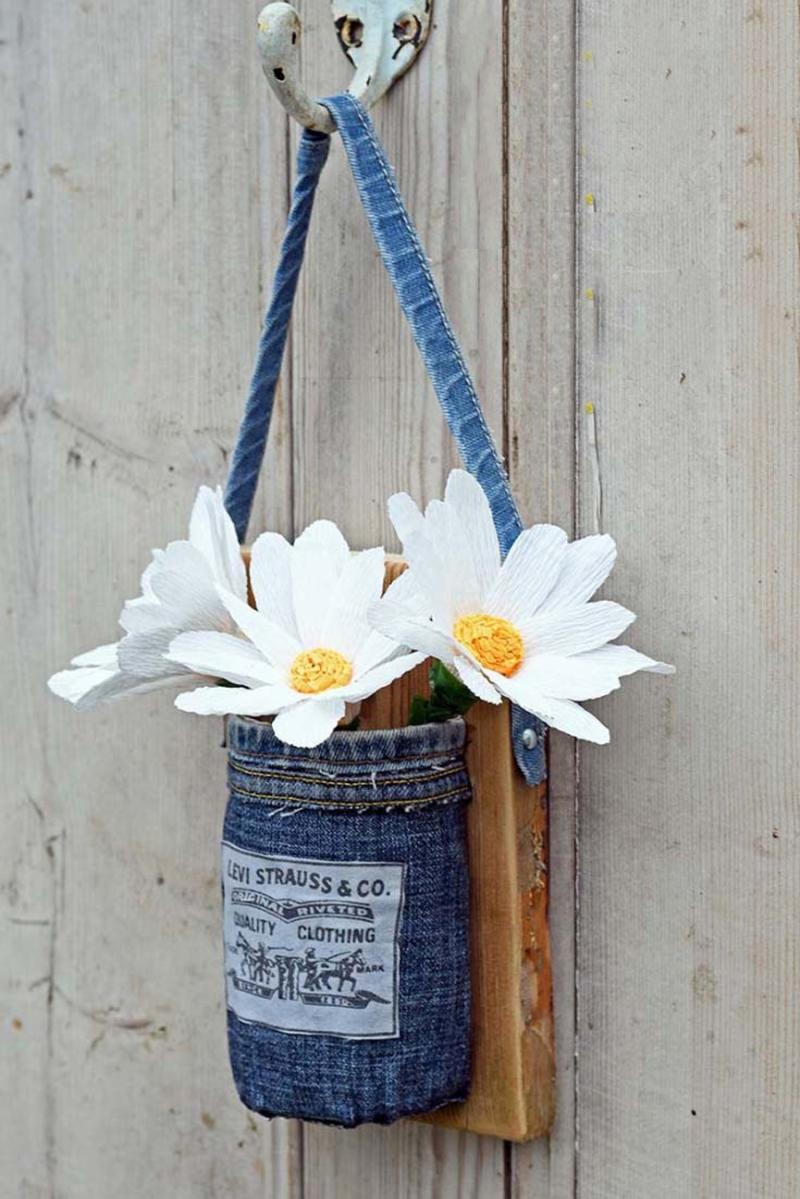 DIY-hanging-denim-mason-jar-vases
