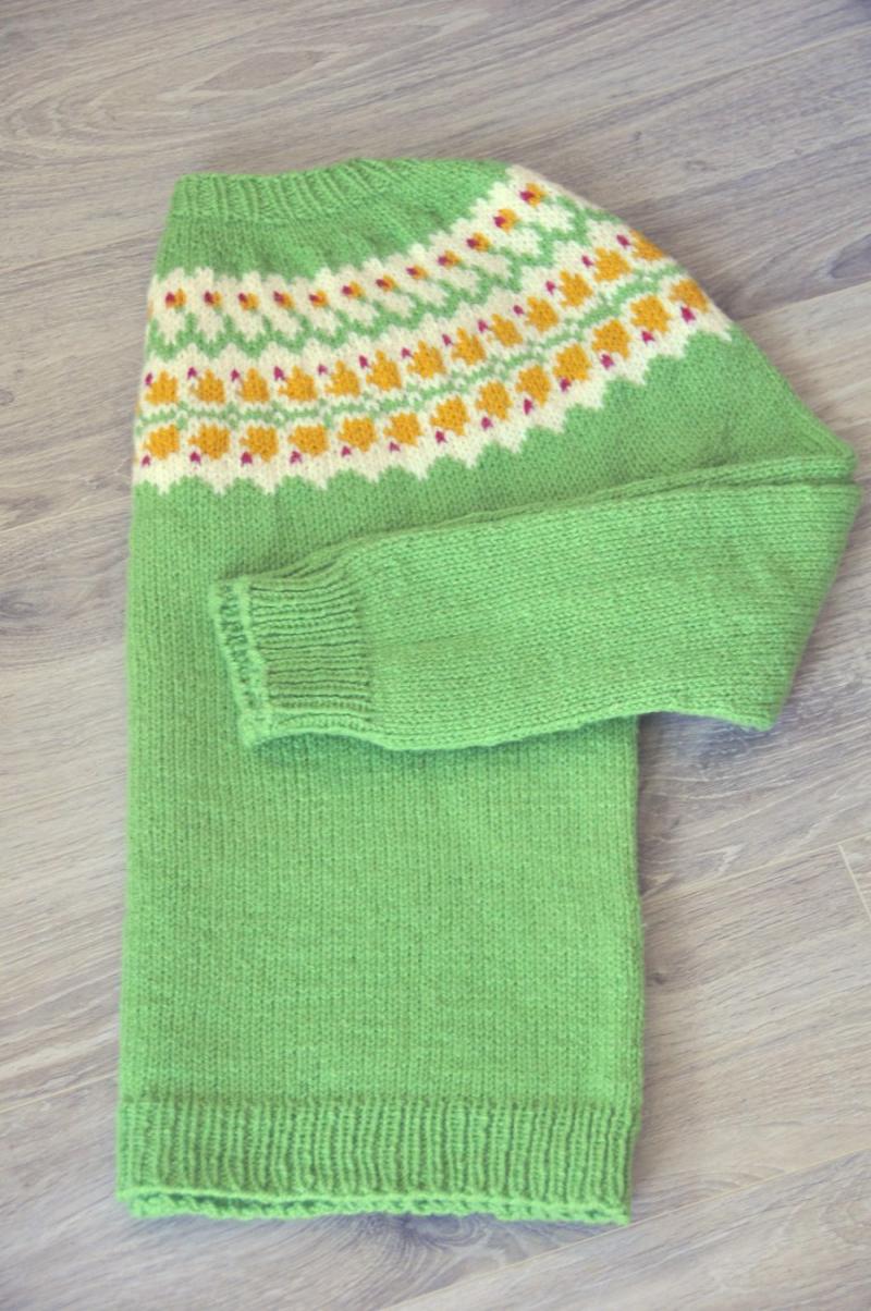 Knit-Blaklukka-Pullover