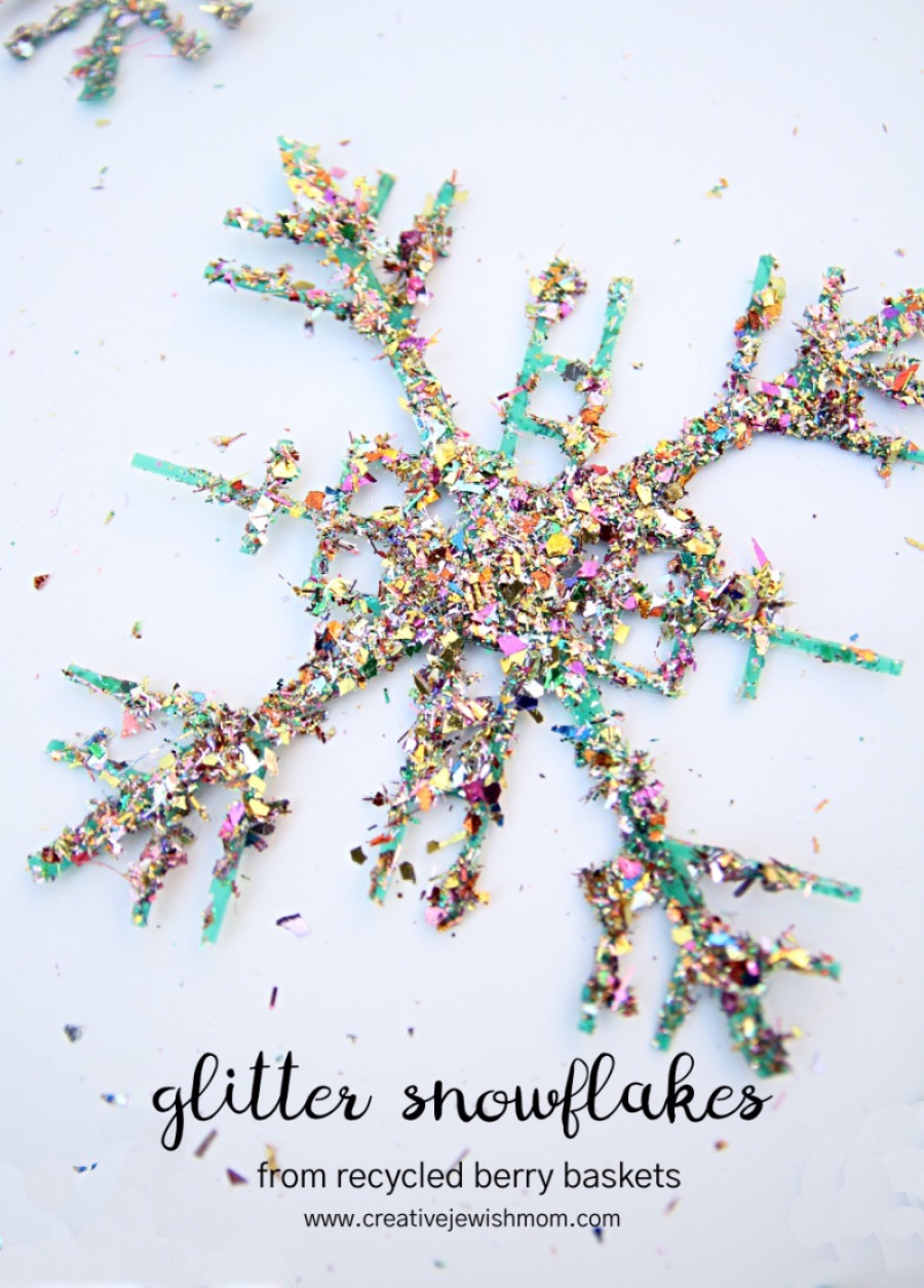 Recycled-plastic-basket-snowflake