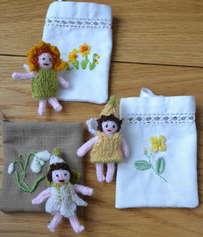 Knit-fairies-with-embroidered-bags