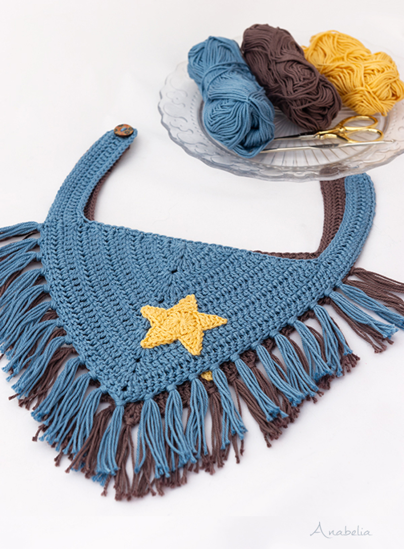 Crocheted-baby-bandana-with-fringe