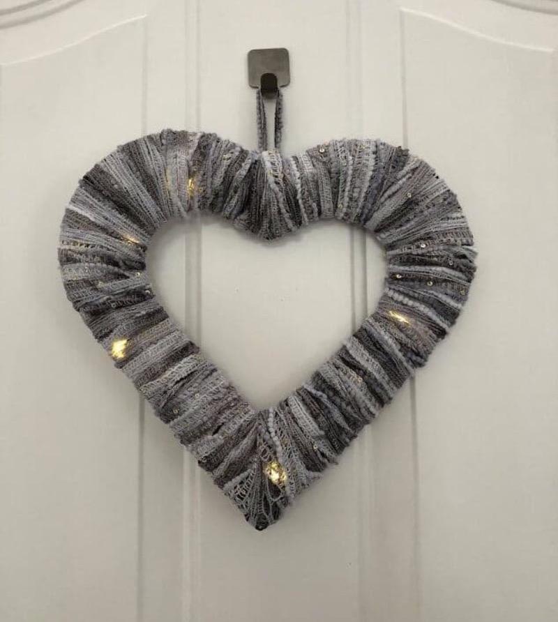 3-Light-Up-Heart-Wreath-7
