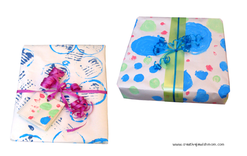 DIY-Gift-wrap-kid's-printing-with-kitchen-tools